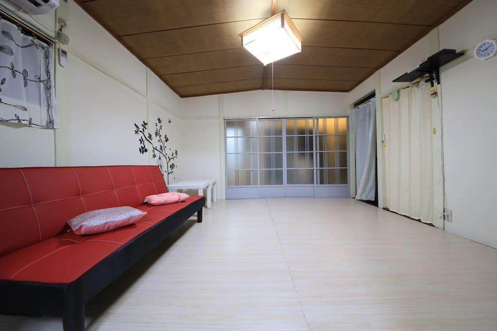 客廳非常寬闊