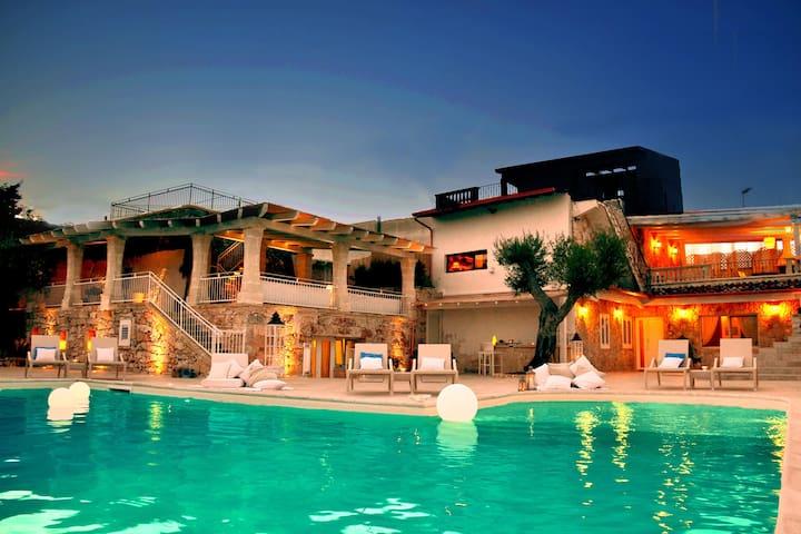 Luxury villa pool Muse Salentine