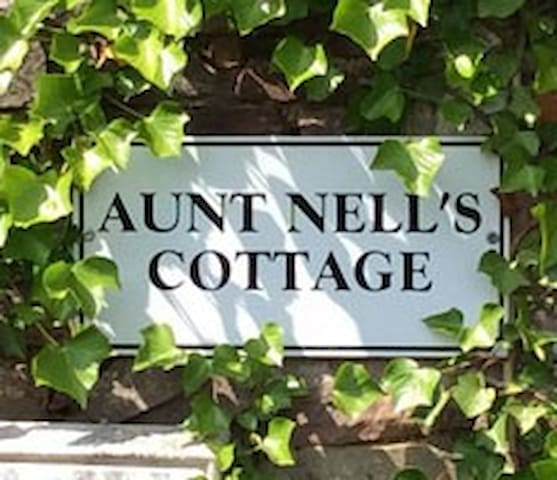 Aunt Nell's Cottage, Speke's Valley