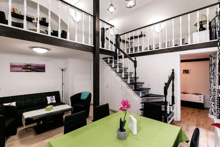 T22 Loft Apartment at Oktogon #AC #5ppl
