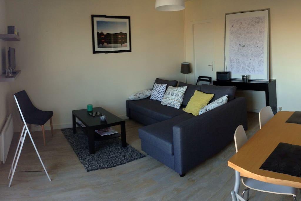 Agr able t2 bordeaux centre appartements louer for Appartement bordeaux centre a louer