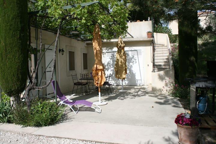 les oliviers - L'Isle-sur-la-Sorgue - Appartement