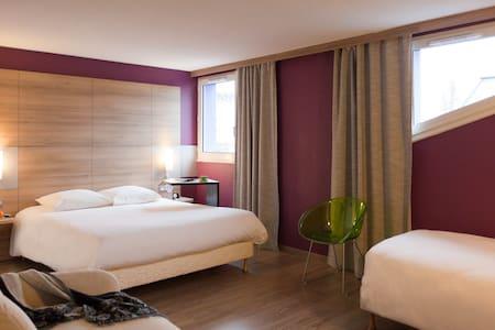 Chambre 2pers p'déj inclus hôtel Ibis Styles Brive - Brive-la-Gaillarde - Bed & Breakfast
