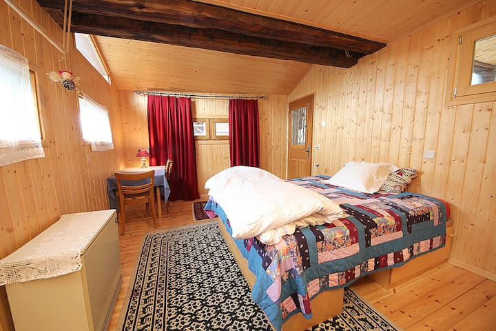 Wonderful Old Chalet great rooms - Vernamiège - Bed & Breakfast
