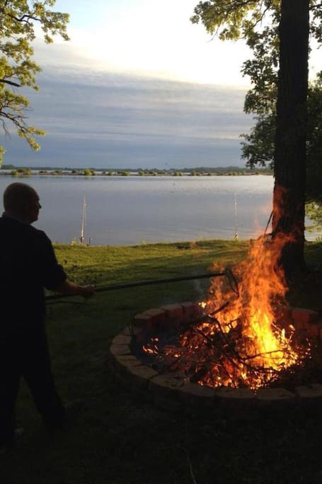 Nice, large firepit near the waters' edge.
