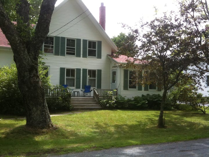 Maine Farmhouse near Ocean