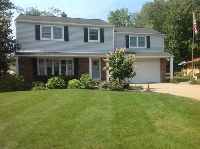 RNC 2016 Home for rent. - South Euclid - Hus