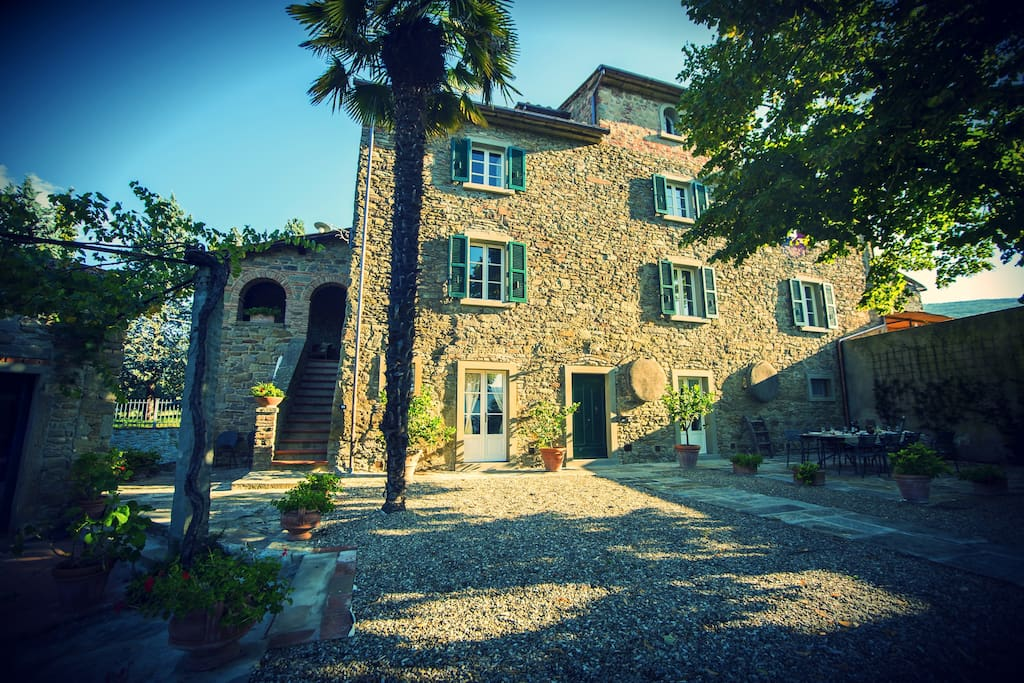 The villa!.  Sorrounded by the peace and tranquillity of the tuscan