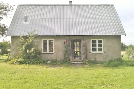 Old stonehouse, made new - Gotland N - Zomerhuis/Cottage