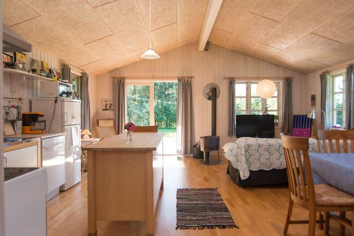 Dejligt sommerhus ved Limfjorden - Nykobing Mors - Blockhütte