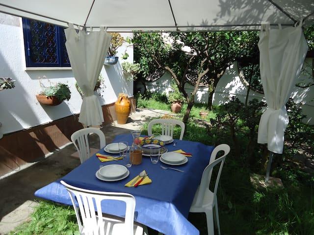 Holiday home L'Aranceto Sorrento - Sorrento - Cabin