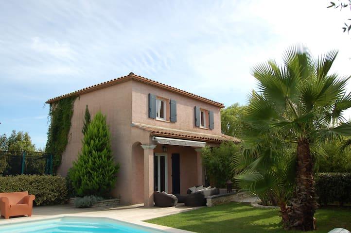 Villa  jardin exotique et piscine - Saint-Mathieu-de-Tréviers - House