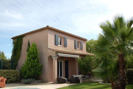 Villa  jardin exotique et piscine - Saint-Mathieu-de-Tréviers - Casa