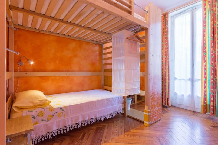 B&B Piffetti - Room Caramello - Porta Susa station - Turin - Bed & Breakfast