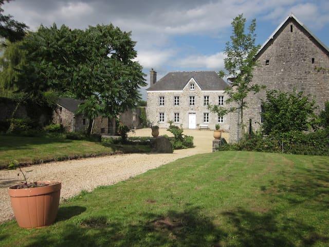 Ancienne ferme de pays - Hyenville - Haus