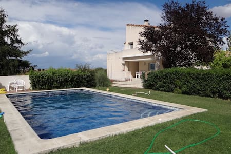 Villa with swimming pool inEl Casar - Chalet