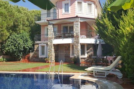 Pool villa for rent in Ölüdeniz - Ölüdeniz Belediyesi