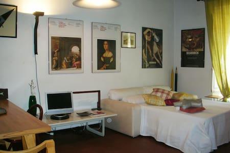 Exquisite studio apartment near the theatre - Apartamento