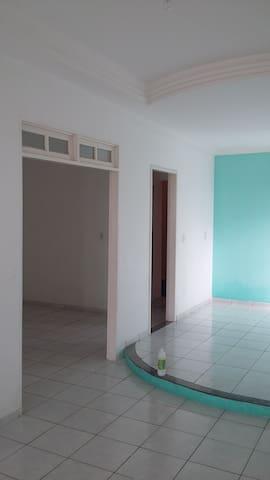 Alugo Quarto em apartamento espaços - Teixeira de Freitas - Lägenhet
