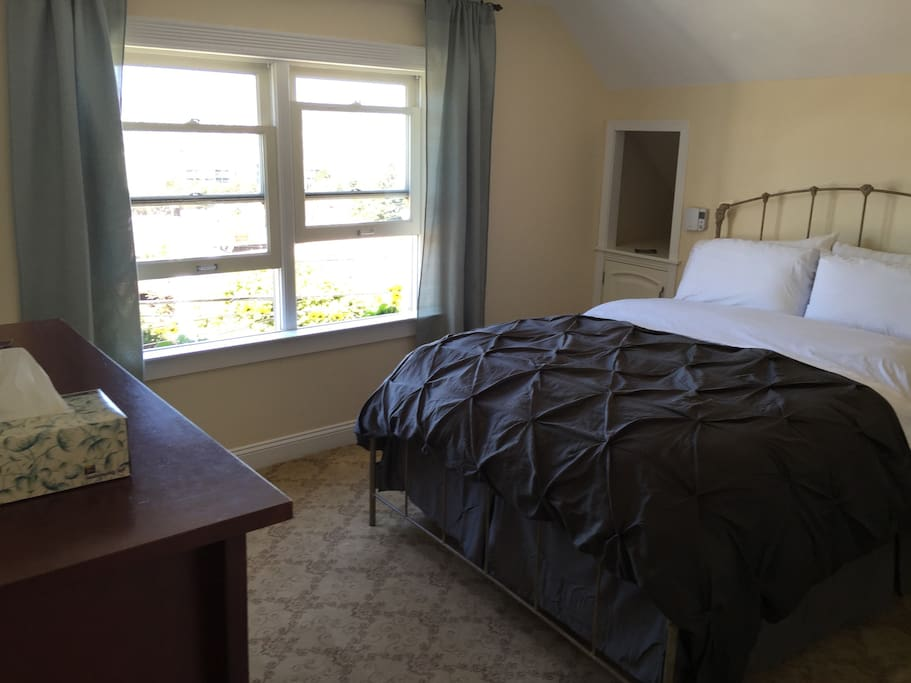 Spacious comfortable room with Panoramic views of San Francisco and the Golden Gate Bridge.