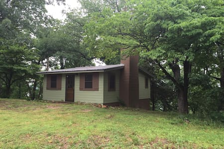 GRAND LAKE, OK -CABIN IN THE WOODS! - New Eucha - Cabane