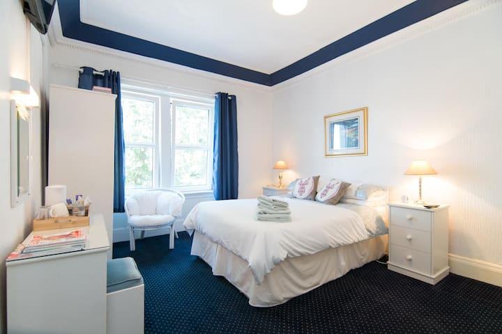 Loch Lomond 2/ Norwood Guest House