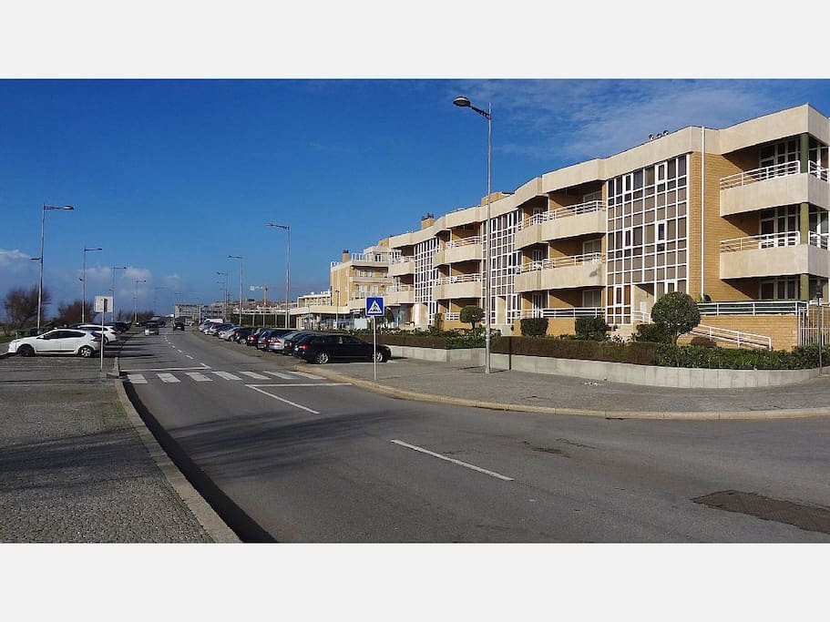 Avenida Beira Mar e Edifício do apartamento