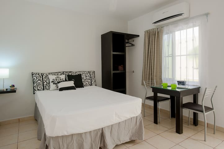 #2 Lovely Private STUDIO BTW 5th&10th - Playa del Carmen - Daire