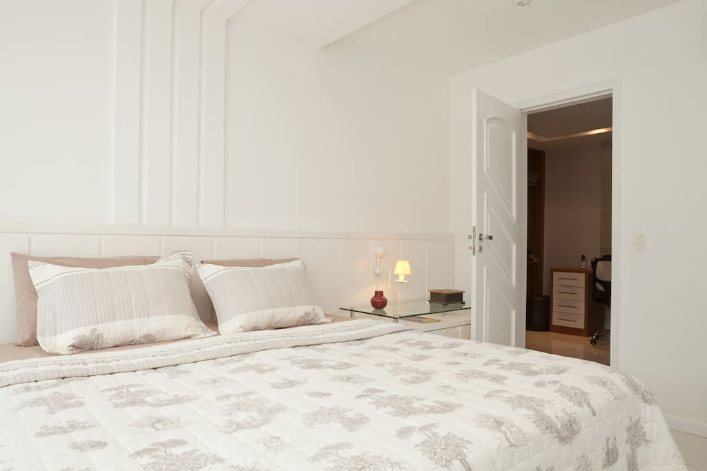 suite master cama king conjugada com o quarto anexo