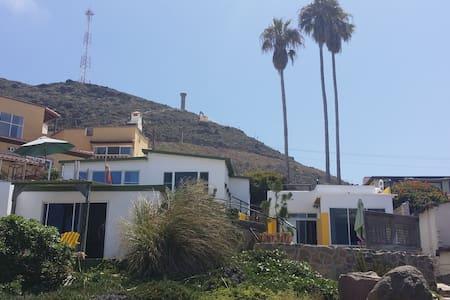 COZY STUDIO @ THE BEACH - La Mision - La Misión