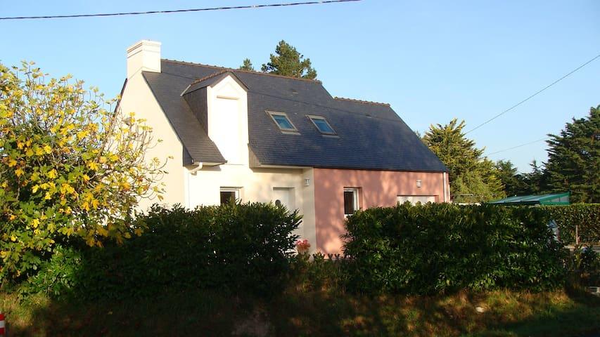 Location saisonnière Maison neuve - Saint-Molf - บ้าน