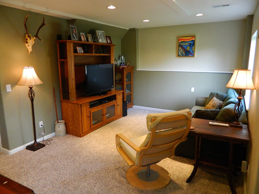 Entertainment area with queen size sleeper sofa, large screen TV (NO cable or satellite)