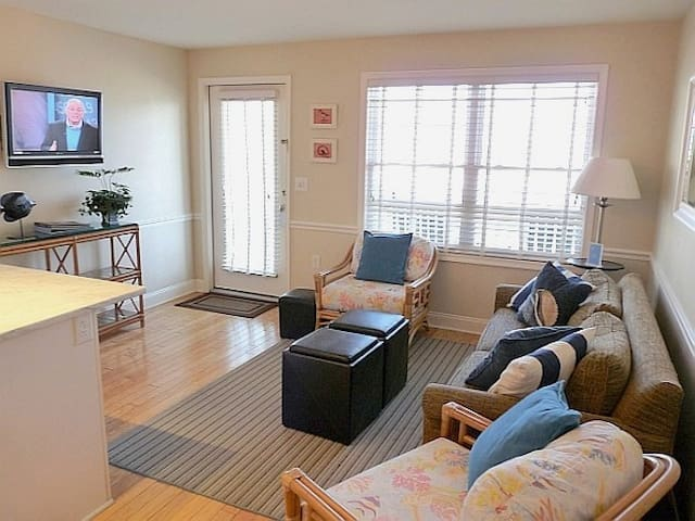 Cape May Oceanfront Beach Retreat - Cape May - Apartamento
