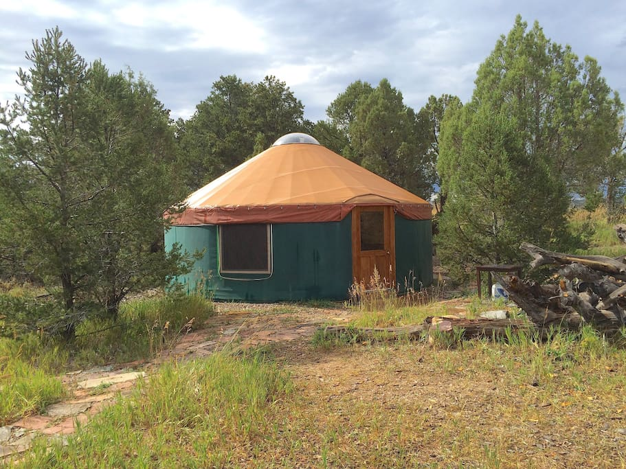 The yurt from another angle.