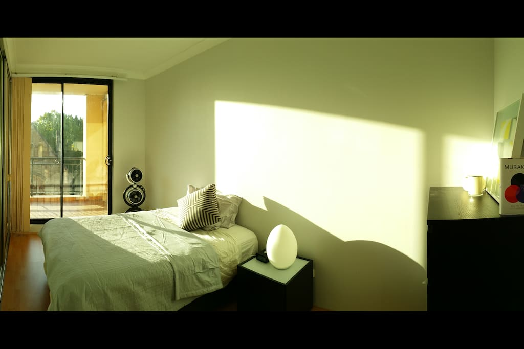 Main bedroom comes with en-suite bathroom