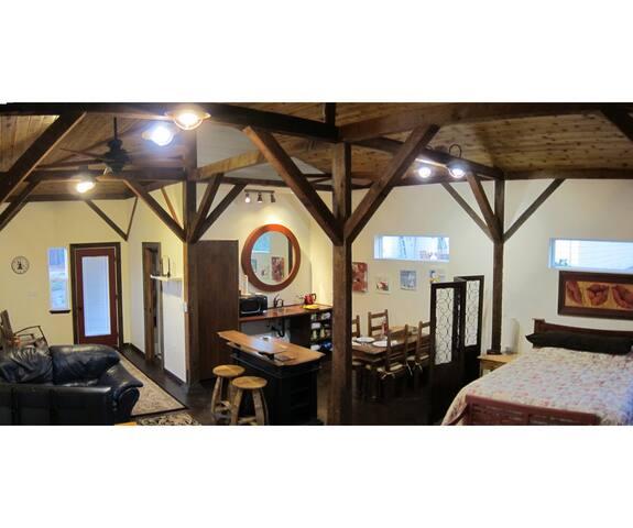 Wine Country Studio between Two Parks - Santa Rosa - Huis