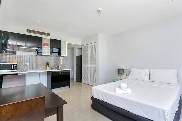 Sunshine Towers Studio - #408 - Cairns City - Appartement