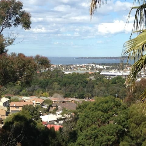 Annies Apartment SPECIAL DISCOUNT - Merimbula  - Appartement