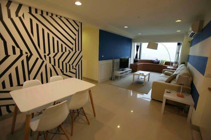 Fantasic View - 10min to Taipei 101 - Nangang District - Apartment
