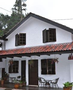 "Family ""Chalet Room No 1"" Cameron Highlands - Tanah Rata"