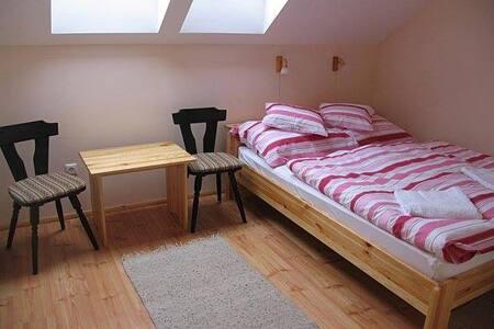 Franciaágyas szobák  - Lukácsháza