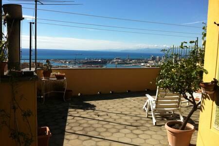 ATTICO CON VISTA SU GENOVA - Genoa - Apartment