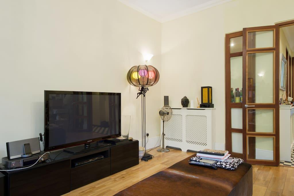 Comfy and spacious Lounge