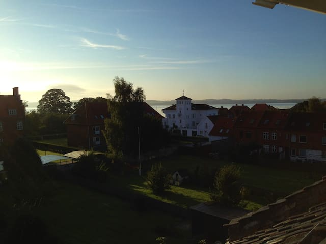 Nice getaway with seaview - Fredericia - Appartement