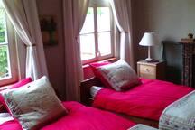 Prins kamer met Bio/ecologische twins bedden.