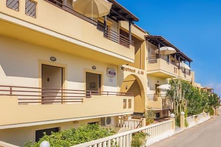 1-bedroom apartment next to Platanias sandy beach - Apartment
