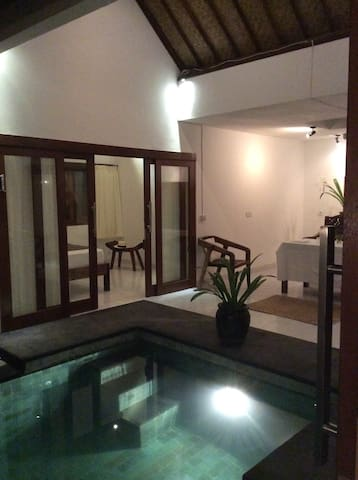 MB House - Denpasar - Bed & Breakfast