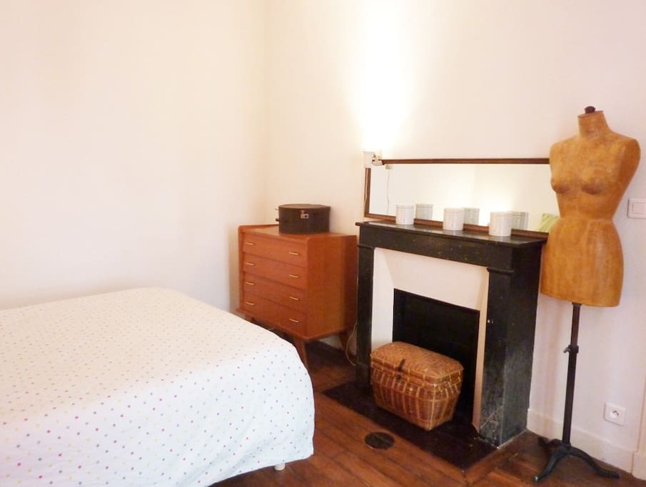 Chambre avec lit 2 places 140*200