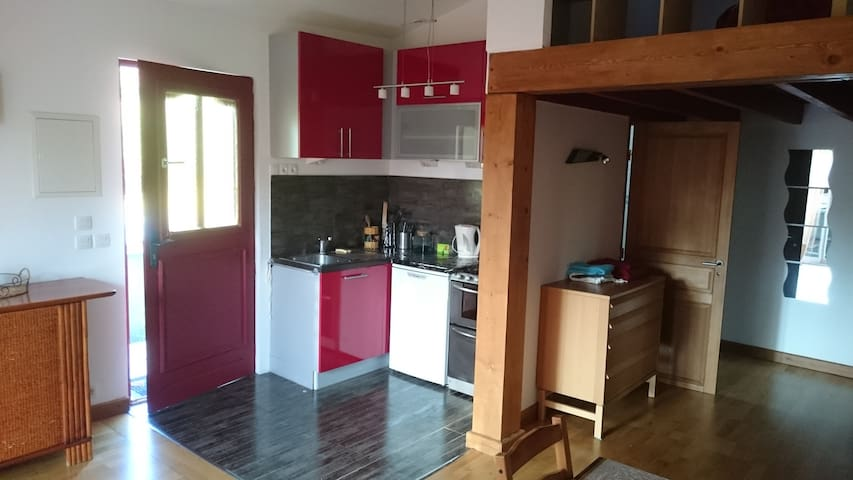 Sonnay Studio,Propre,Fonctionnel - Sonnay - Apartment