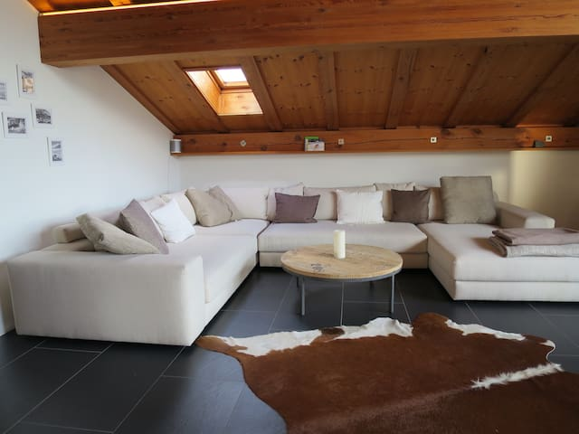 "Modern attic apartment with ""alpchic-style"" - Flims - Apartament"
